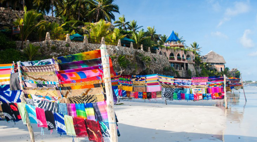 African-Fabric-for-Sale-on-a-Beach-in-Mombasa-Kenya